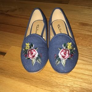 NEVER WORN Embroidered flats